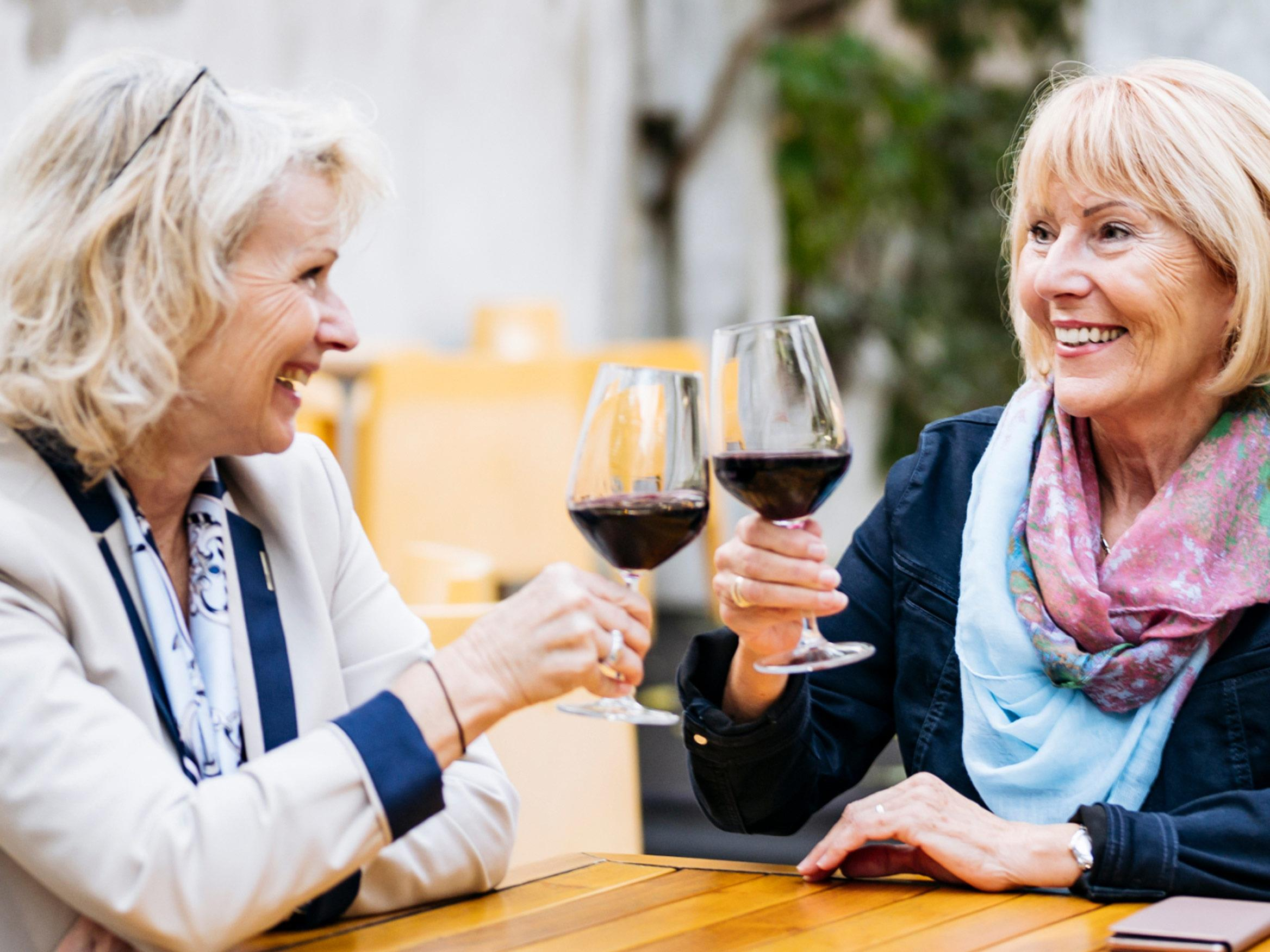 Our latest hearing aid with the most natural sound quality in a resturant - ReSound ONE